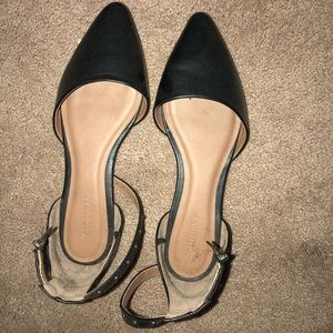 New! Black pointed flats